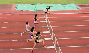 女子中学1年100mH