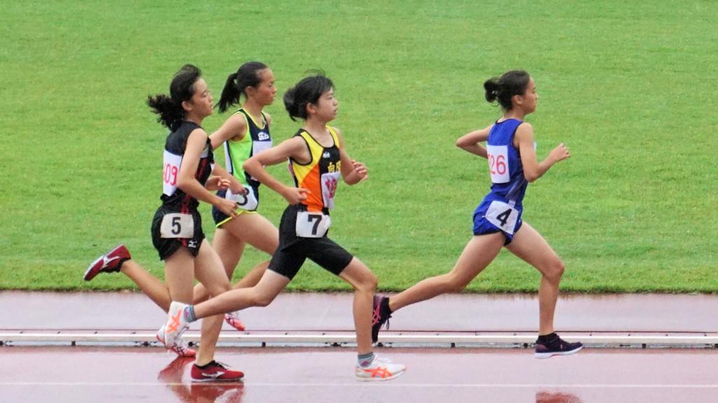 女子共通1500m決勝