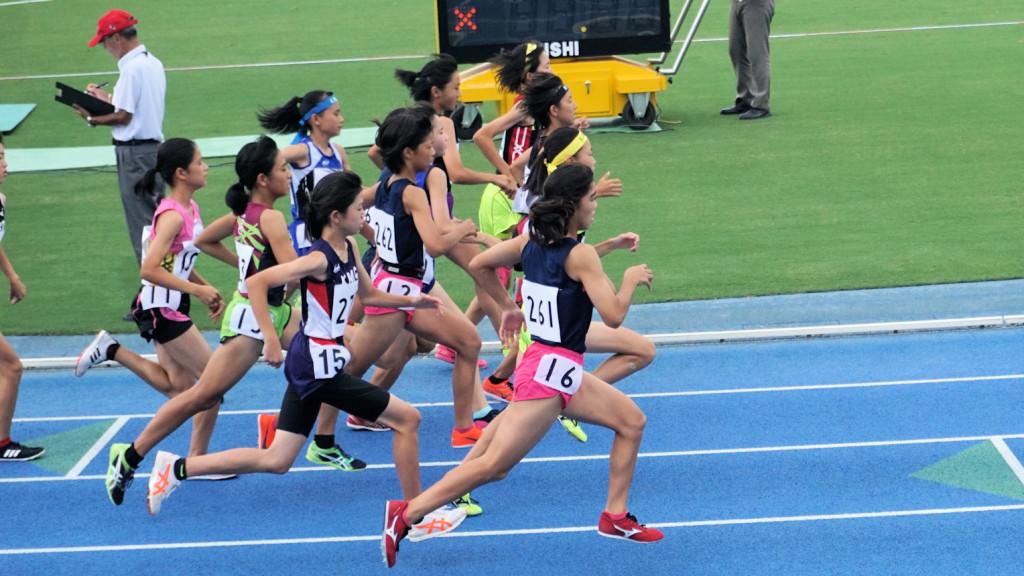 女子B1500m決勝