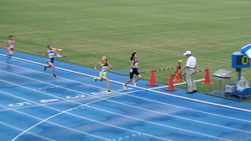 2年女子1500m