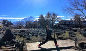 富士山をバックに記念写真